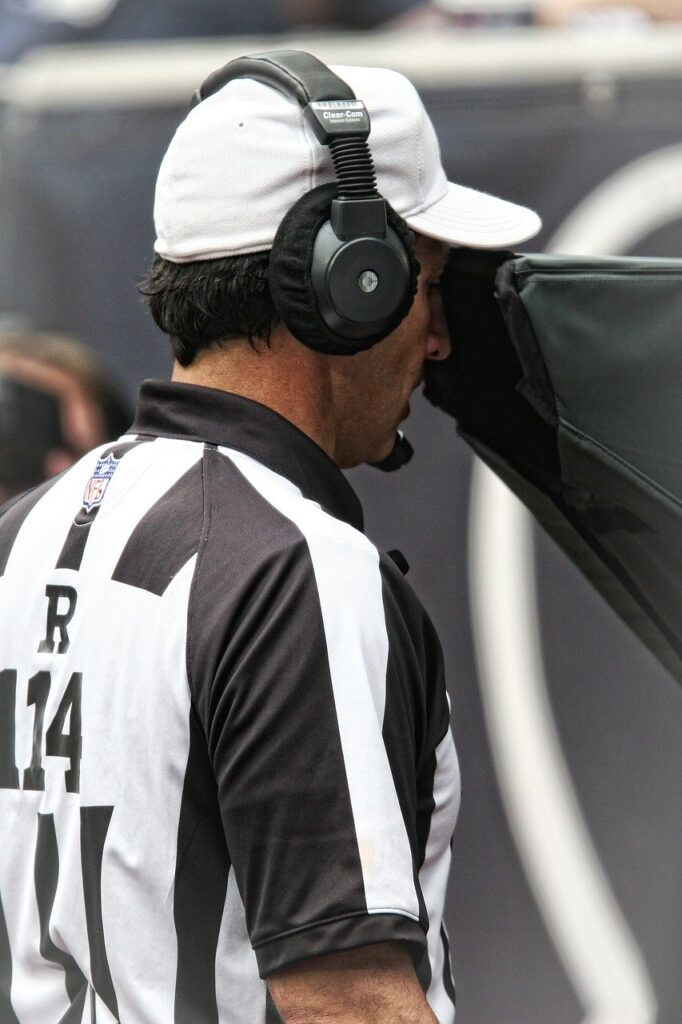referee, nfl, instant replay